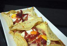 como hacer Crepes de huevos cordorniz y crujiente de jamón ibérico receta