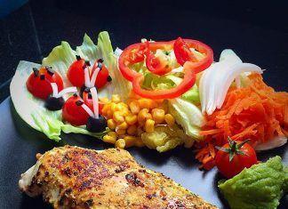 como hacer Pechuga de pollo al ajillo con ensalada receta