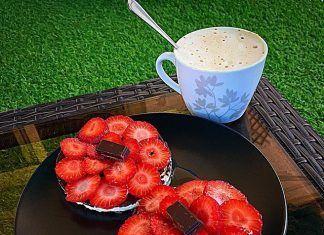 como hacer Tortitas de arroz integral con chocolate y fresas receta